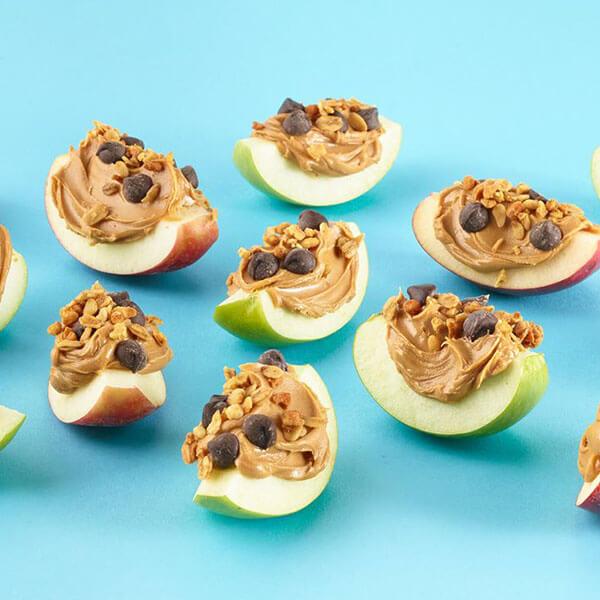 Pommes gourmandes au beurre de cacahuètes, chocolat et granola – Recipes